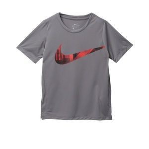 NWT NIKE BOYS SIZE S TEE WITH RED GRAPHIC SWOOSH